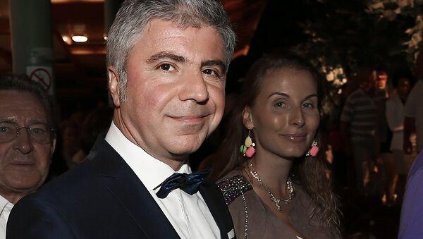 Qoʻshiqchi Soso Pavliashvili rafiqasi Irina bilan - Sputnik Oʻzbekiston