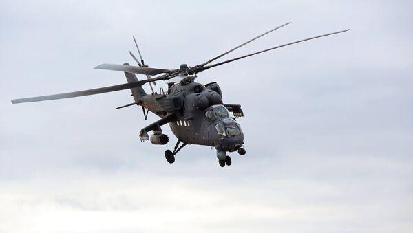 Mi-17 harbiy vertoleti - Sputnik Oʻzbekiston