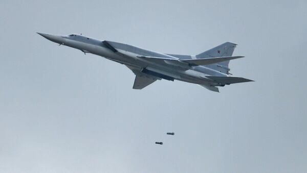 Tu-22M3 uzoq aviatsiya bombardimonchi samolyoti - Sputnik Oʻzbekiston