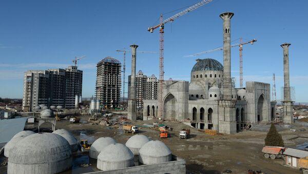 Строительство одной из самых крупных мечетей мира в Чечне - Sputnik Узбекистан