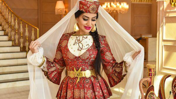 Участницы конкурса Мисс Юнион в Азербайджанских национальных платьях - Sputnik Узбекистан
