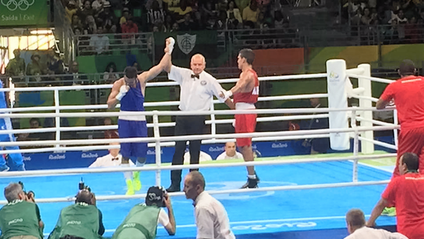 Bokser Shaxram Giyasov v polufinalnom boyu na OI v Rio - Sputnik Oʻzbekiston