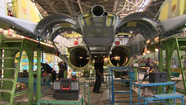Сборка первых образцов истребителей МиГ-35 для Минобороны РФ в Подмосковье - Sputnik Узбекистан