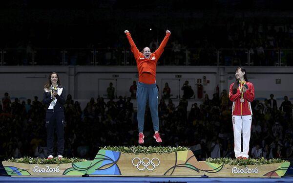 Венгриялик Эмес Цац олтин медални шу тарзда қарши олди - Sputnik Ўзбекистон