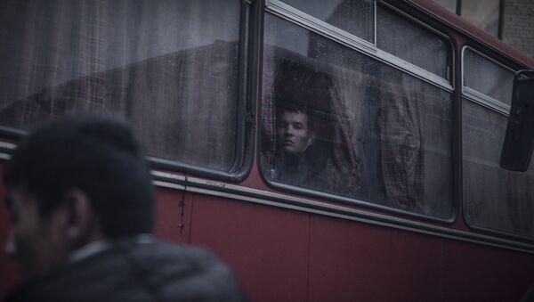 Нолегал мигрантларни аниқлаш учун Россия ФХХ хизмати рейд уюштирди - Sputnik Ўзбекистон
