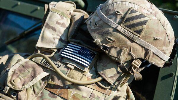 Разгрузка и каска солдата США - Sputnik Ўзбекистон
