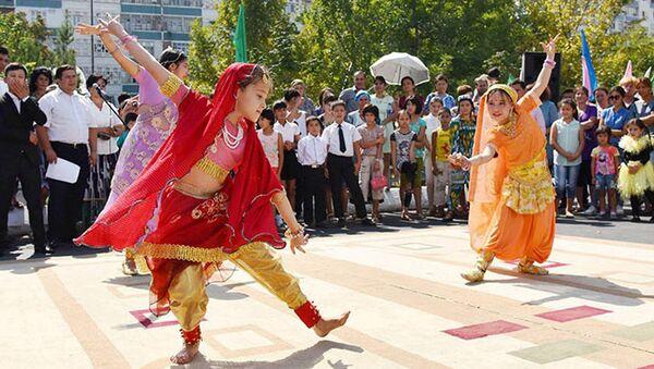 Праздничные гуляния, посвященные дню Независимости Узбекистана - Sputnik Узбекистан