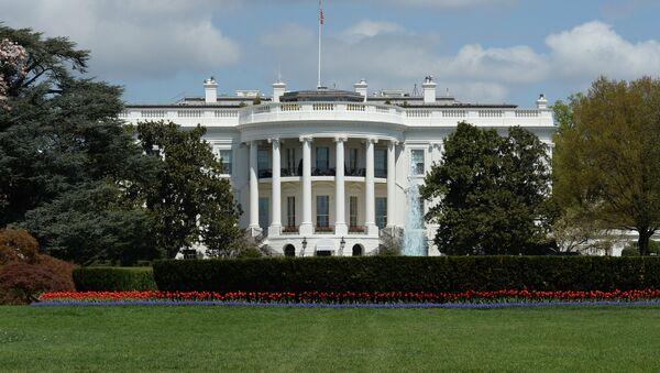 Официальная резиденция президента США - Белый дом в Вашингтоне (округ Колумбия) - Sputnik Ўзбекистон