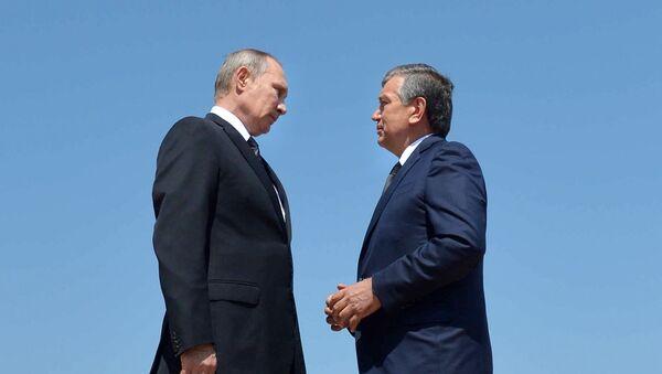 Oʻzbekiston Respublikasi prezidenti v.b., Bosh vazir Shavkat Mirziyoyev va Rossiya prezidenti Vladimir Putin - Sputnik Oʻzbekiston