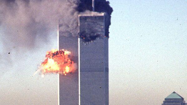 Пятнадцать лет назад была произведена аттака террористами-смертниками на башни близнецы в США - Sputnik Узбекистан