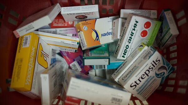 Лекарства в одной из аптек - Sputnik Узбекистан