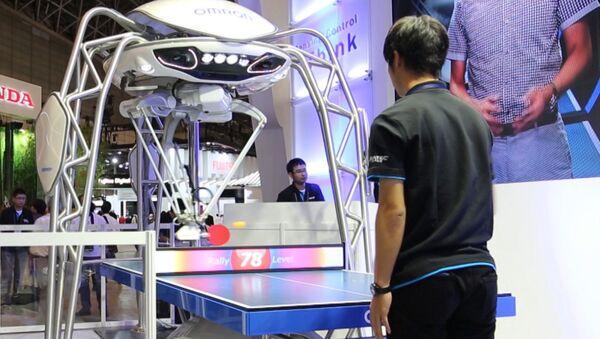 Спутник_Робот для конвейеров мастерски сыграл в пинг-понг на выставке в Японии - Sputnik Узбекистан
