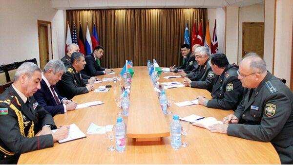 Визит министра обороны Азербайджана в Узбекистан - Sputnik Узбекистан