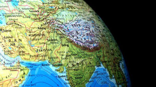 Uzbekistan na karte. Globus - Sputnik Oʻzbekiston