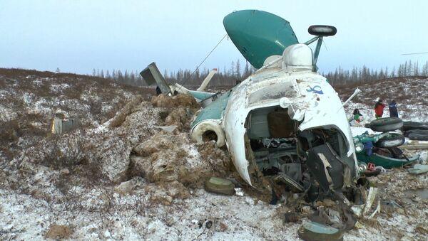 Кадры с места крушения вертолета Ми-8 в ЯНАО - Sputnik Узбекистан