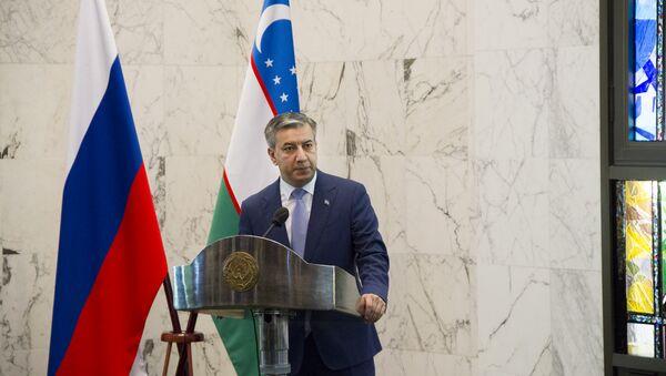 Брифинг в Посольстве Узбекистана в РФ, посвященный 43-й сессии ОИС в Ташкенте - Sputnik Узбекистан