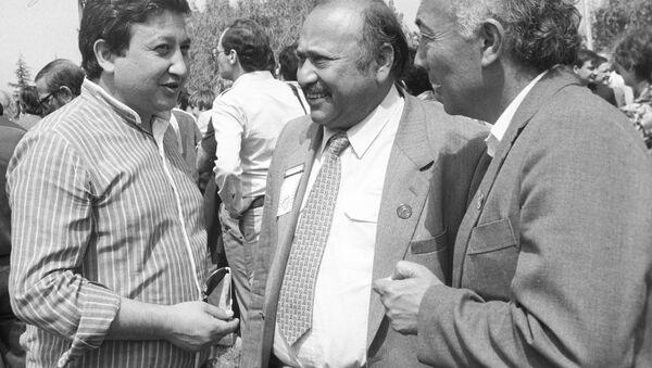 Jamir Isxaqov, Melis Abzalov, Rixsivoy Muhammadjonov - Sputnik Oʻzbekiston
