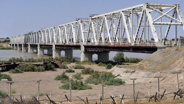 Most Drujbы cherez reku Amudaryu na granitse Uzbekistana i Afganistana - Sputnik Oʻzbekiston