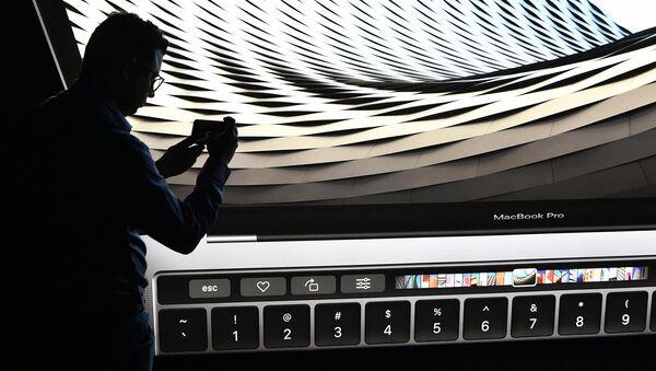 Apple представила новую модель MacBook - Sputnik Узбекистан