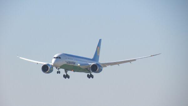 Узбекские авиалинии приняли в эксплуатацию еще один самолет Boeing 787-8 Dreamliner - Sputnik Ўзбекистон