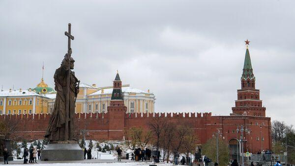 Otkrыtiye pamyatnika knyazyu Vladimiru na Borovitskoy ploщadi - Sputnik Oʻzbekiston