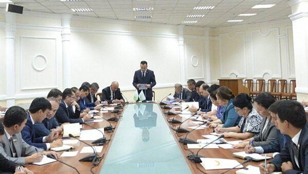 Milliy tiklanish partiyasi yigʻilishi - Sputnik Oʻzbekiston