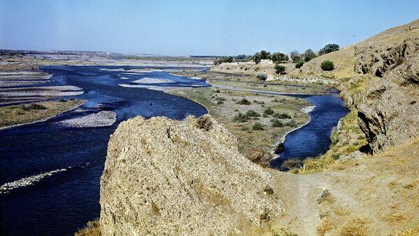 Долина реки Зеравшан - Sputnik Ўзбекистон