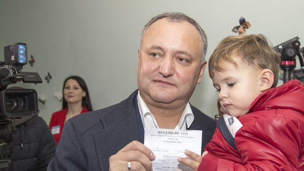 Moldova prezident saylovi gʻolibi Igor Dodon - Sputnik Oʻzbekiston