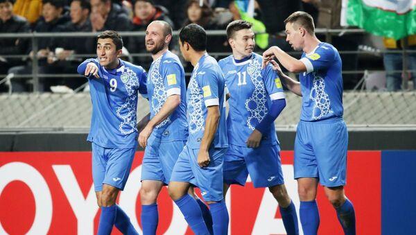Sbornaya Uzbekistana po futbolu v matche s Yujnoy Koreyey - Sputnik Oʻzbekiston