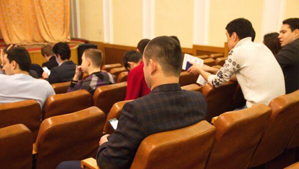 Uzbekskiye studentы v Posolstve RUz v Moskve - Sputnik Oʻzbekiston