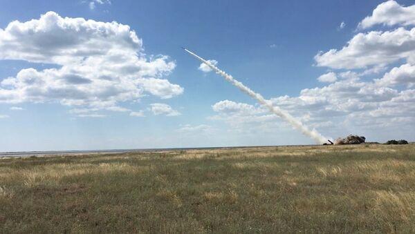 Испытание новых украинских ракет - Sputnik Узбекистан