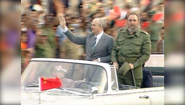 СПУТНИК_Фидель Кастро умер в возрасте 90 лет. Кадры с кубинским революционером - Sputnik Узбекистан