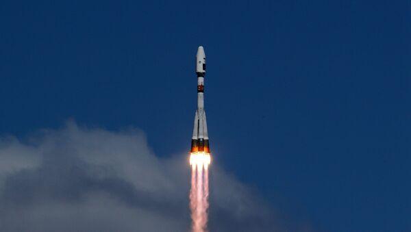 Первый пуск ракеты-носителя с космодрома Восточный - Sputnik Узбекистан