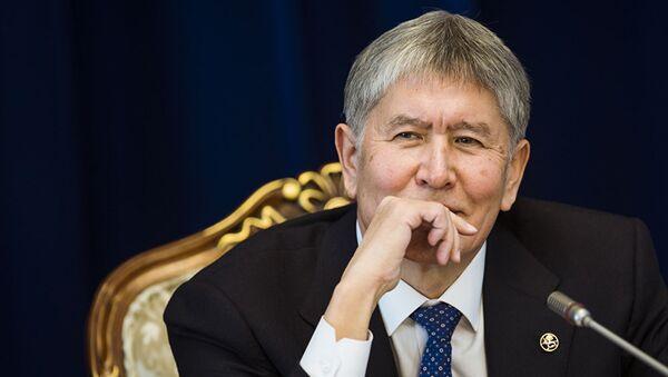 Prezident Kыrgыzstana Almazbek Atambayev - Sputnik Oʻzbekiston