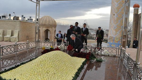 Генсек ШОС посетил могилу Ислама Каримова - Sputnik Узбекистан
