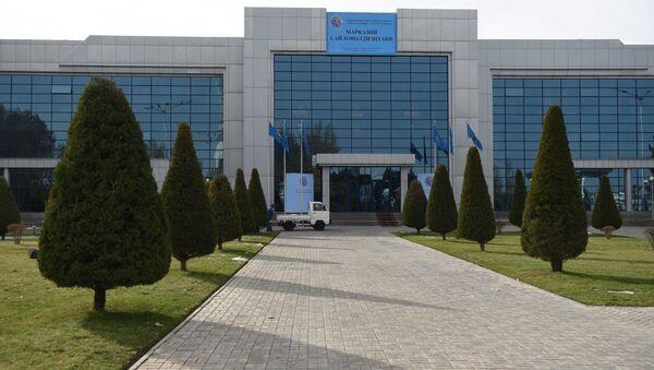 Здание штаба кандидата в президенты республики Узбекистан Шавката Мирзиёева - Sputnik Узбекистан