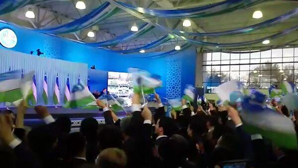 Mirziyoyev: Ona xalqimga ta'zim qilaman - Sputnik Oʻzbekiston