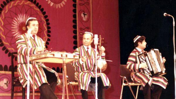 Музыкальный руководитель ансамбля Бахор, композитор, народный артист Узбекистана Бахтиёр Алиев - Sputnik Узбекистан