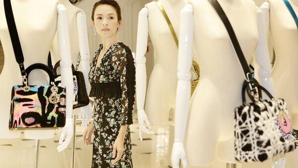 Модному дому Кристиан Диор исполнилось 70 лет - Sputnik Узбекистан