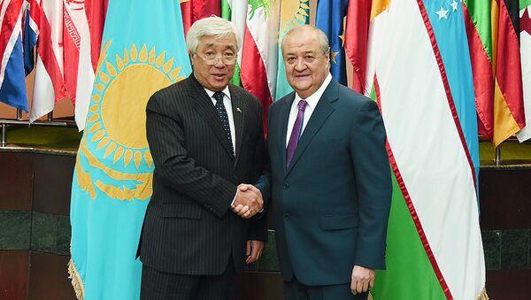 Министр иностранных дел Республики Узбекистан Абдулазиз Камилов и министр иностранных дел Республики Казахстан Ерлан Идрисов - Sputnik Узбекистан