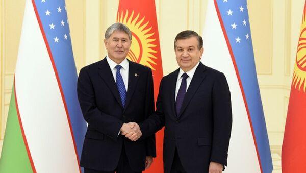 Glavы Uzbekistana i Kыrgыzstana Shavkat Mirziyoyev i Almazbek Atambayev - Sputnik Oʻzbekiston