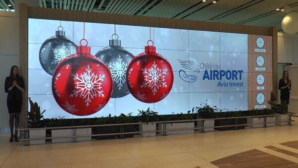 Вся жизнь аэропорта Кишинева - на гигантском информационном панно - Sputnik Узбекистан