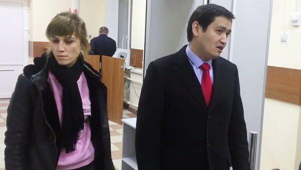 Nilufar Mamasaidova i advokat Baxrom Ismailov - Sputnik Oʻzbekiston