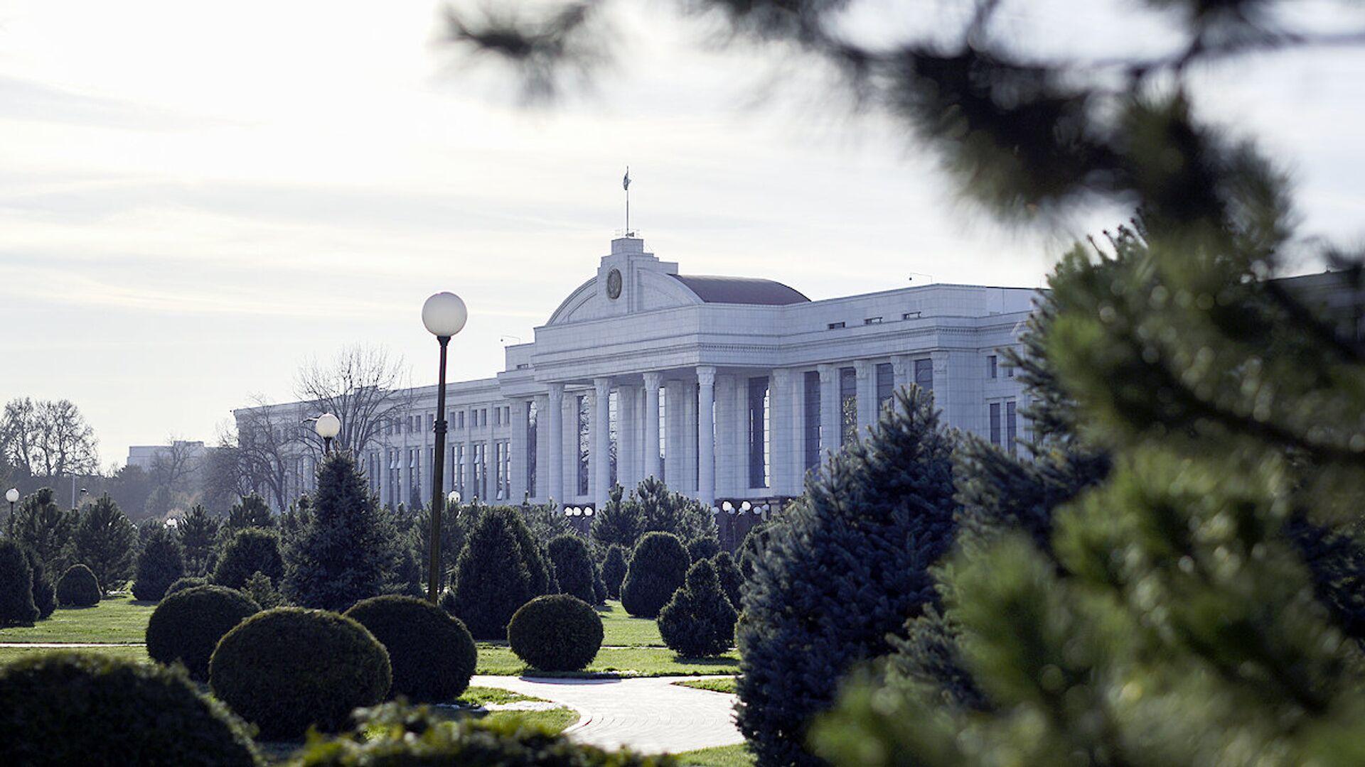 Здание Сената Олий Мажлиса Республики Узбекистан в Ташкенте - Sputnik Узбекистан, 1920, 25.06.2021