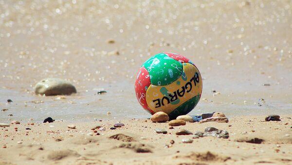 Мяч для пляжного футбола - Sputnik Узбекистан