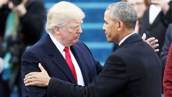 АҚШнинг янги президенти Дональд Трамп қасамёд тадбирида Барак Обамани қарши олмоқда - Sputnik Ўзбекистон