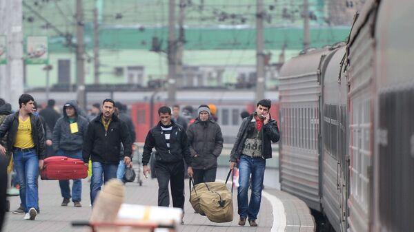 Прибытие поезда Ташкент-Москва - Sputnik Узбекистан