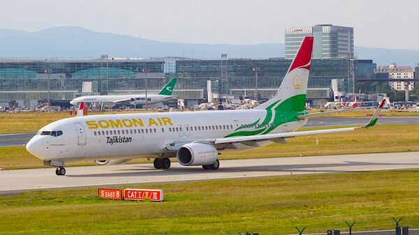Боинг 737 авиакомпании Сомон Эйр, архивное фото - Sputnik Ўзбекистон