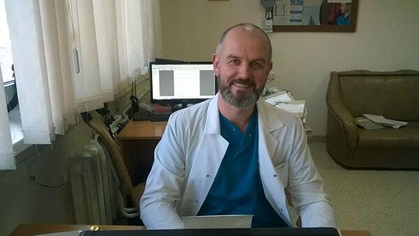 Хирург-ортопед Евгений Петкевич - Sputnik Узбекистан