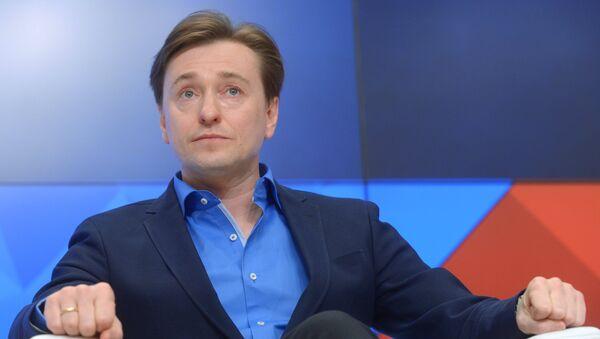 Актер, продюсер картины После тебя Сергей Безруков - Sputnik Узбекистан